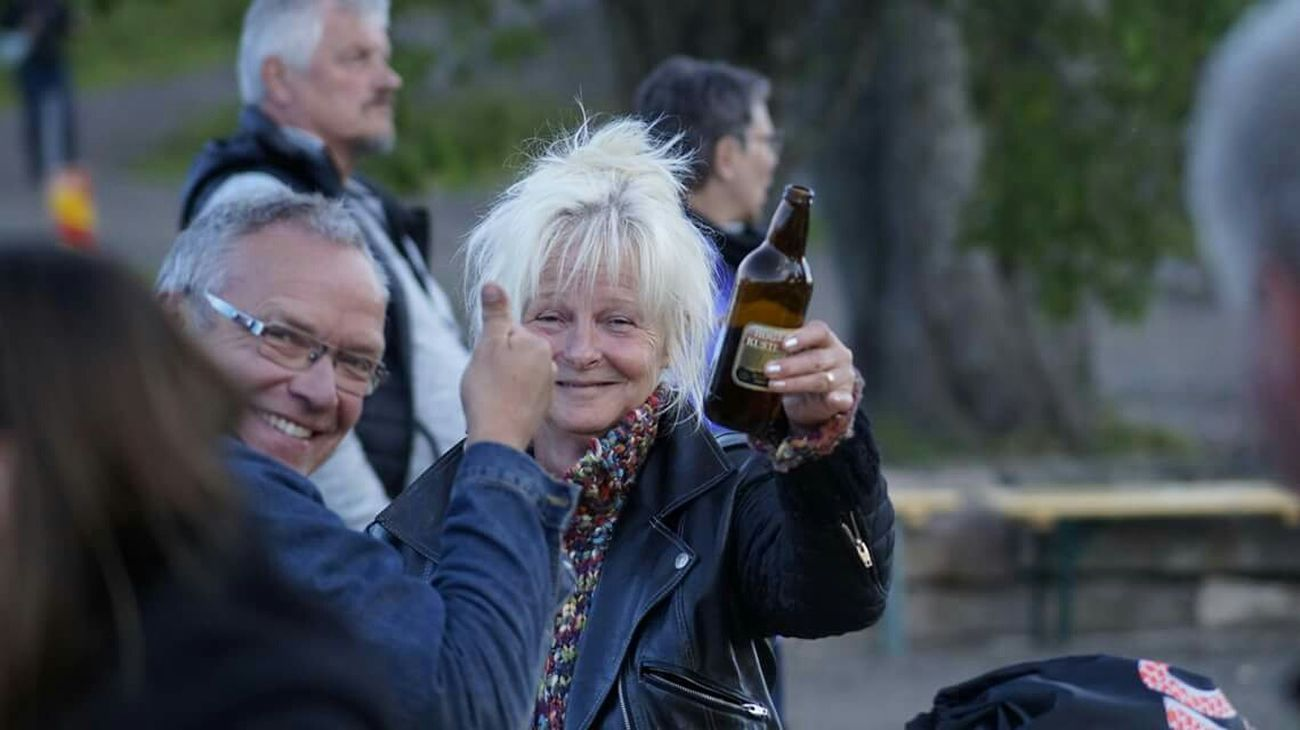 Meeting Taking Photos Whisky Festival Cheers