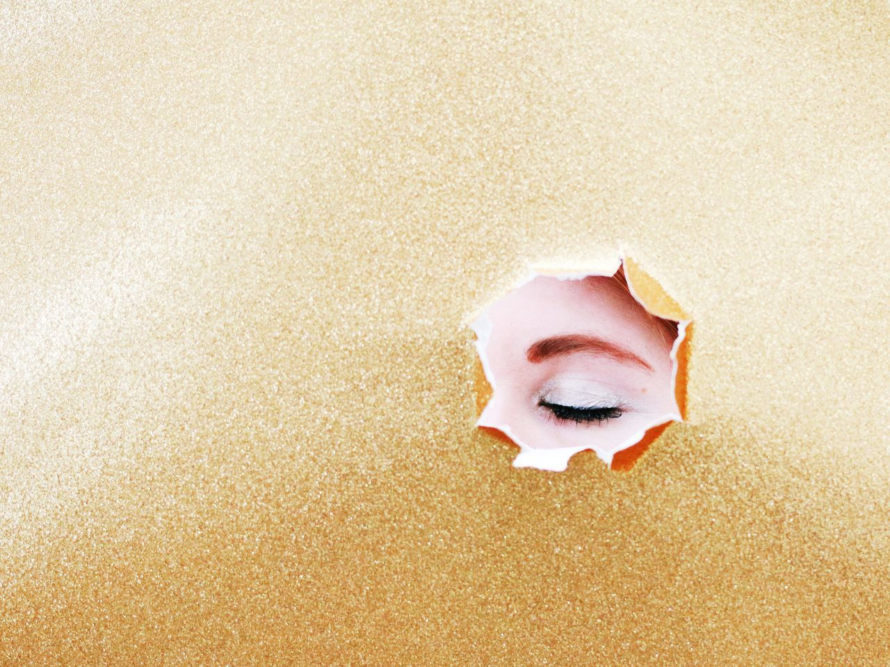 Golden eye. Beauty Close-up People Eye4photography  EyeEm Best Shots EyeEm Gallery The EyeEm Facebook Cover ChallengePortrait Of A Woman Portrait Color Portrait Glamour Golden Moment Golden Light Minimalism Details And Colors