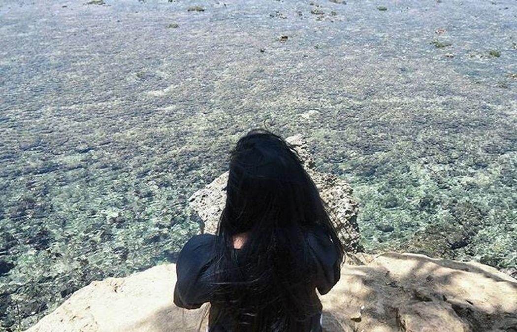 Ngeliat laut aja aku tahan lama-lama, apalagi ngeliatin kamu.. 👻 Aaaaah.. JanganBaper Jk Guyon Vscocam girl beach balekambang malang