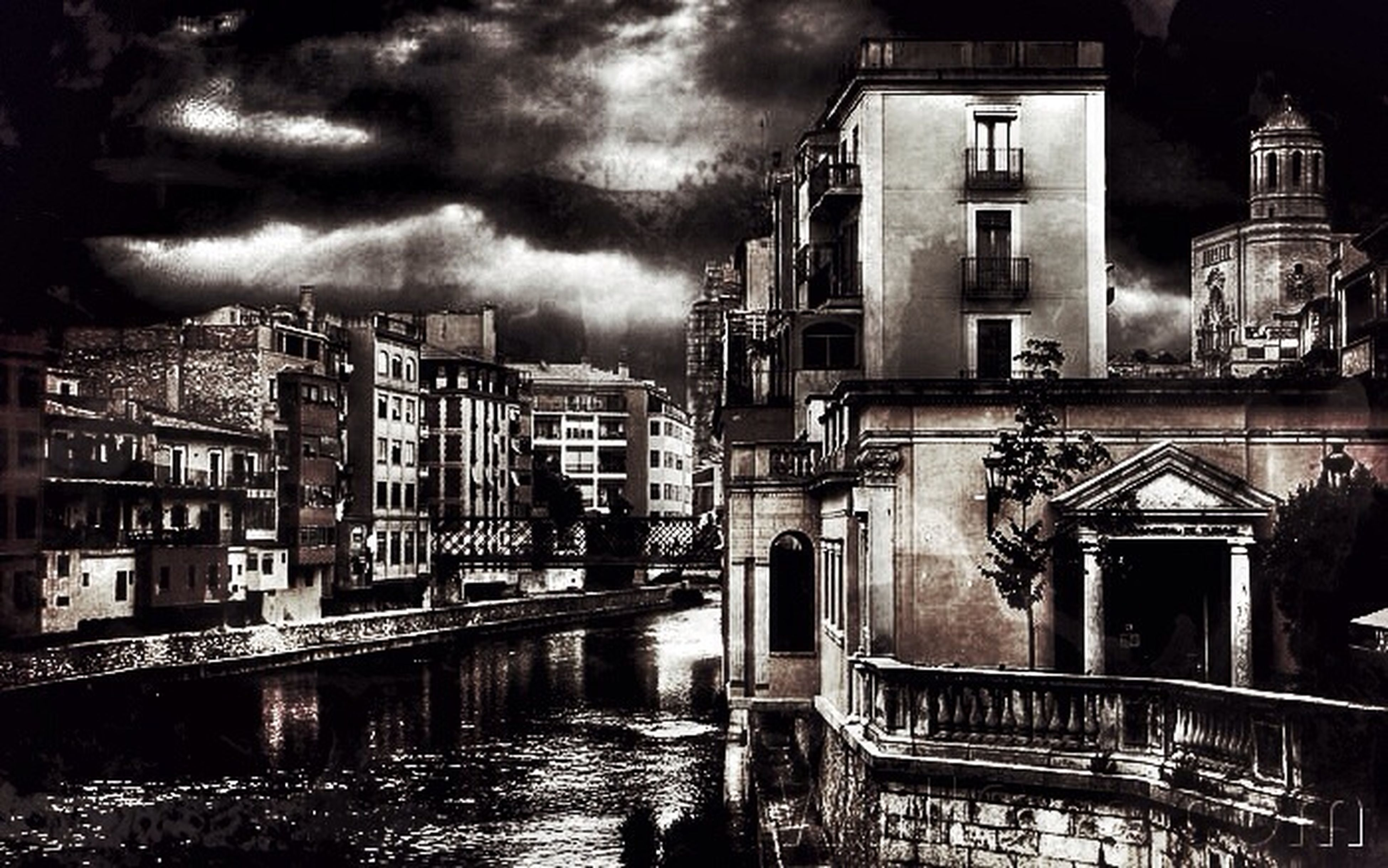 architecture, building exterior, built structure, water, sky, cloud - sky, residential structure, residential building, building, cloudy, reflection, waterfront, canal, house, city, weather, night, river, overcast, illuminated