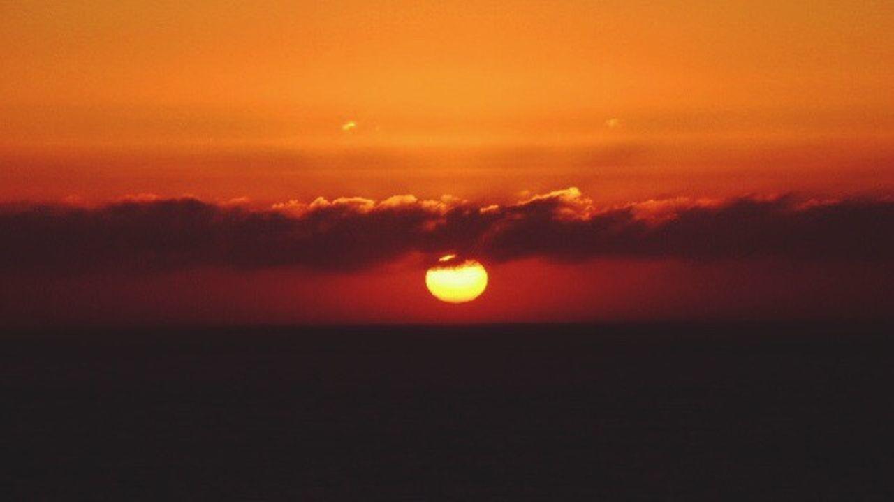 Sunset Sunset_captures Sunset And Sea Beautifull Sunset Sunset Porn Sunset_collection Sunset And Clouds  Sunset Photography Orange Sun Enjoy The Sunset Enjoying The Moment Sunset Lovers Summer Sunset EyeEm Nature Lover I Love My City Reñaca Beach , Chile