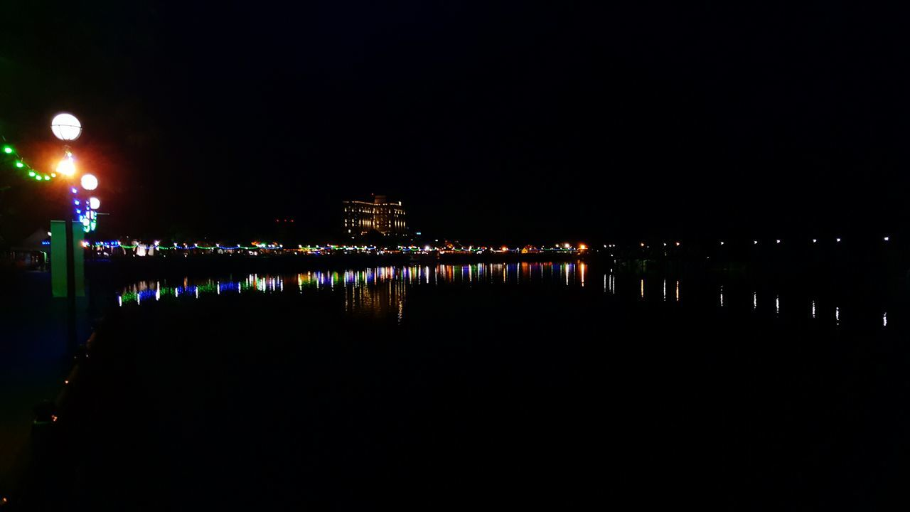Riverside Lights Nightview Kuching_waterfront