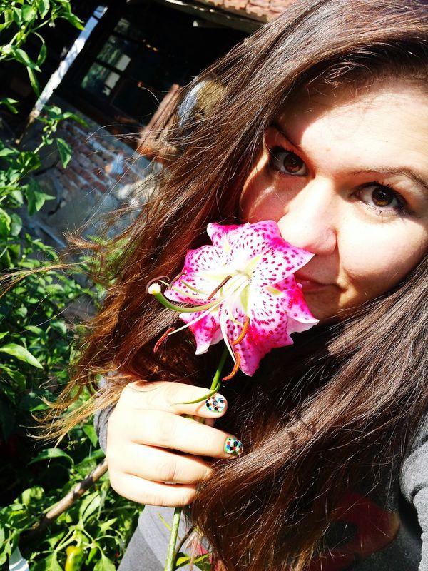 That's Me Taking Photos Look Into My Eyes... I Love My Eyes <3! Good Morning Follow Me :) Feeling Free Feeling Happy Feeling Beautiful Feeling Pretty