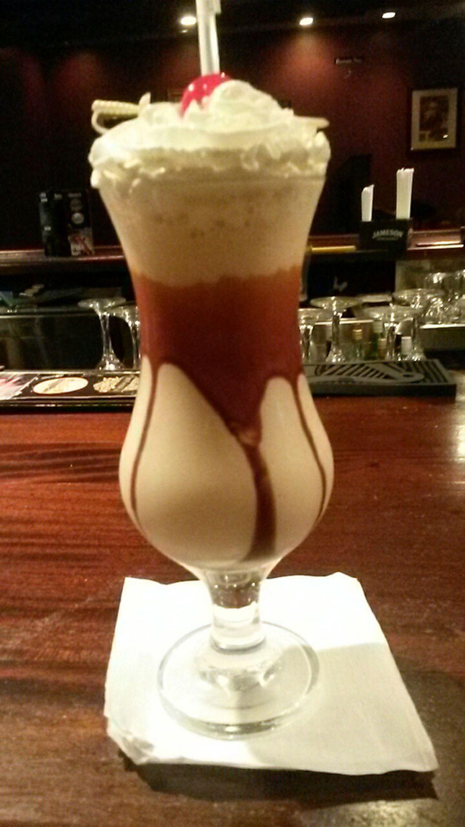 Mudslide J.Malones Mall Cocktail Delsih