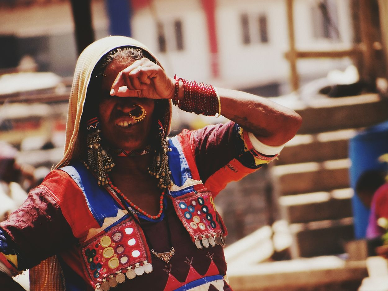 The Portraitist - 2016 EyeEm Awards The Street Photographer - 2016 EyeEm Awards Portrait Of A Woman Indian Lady Kabile Indian Street Photography Indian Culture  Indian Clothes Indian Fabrics People On The Street Street Photography Portrait Photography Hello World Check This Out Taking Photos EyeEm Best Shots EyeEm Gallery EyeEm Masterclass From My Point Of View My Perspective India ASIA