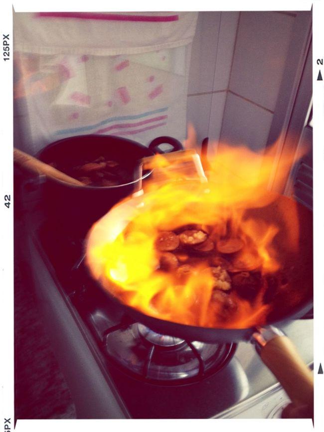 Dando a primeira flambada numa comida... D+ ?