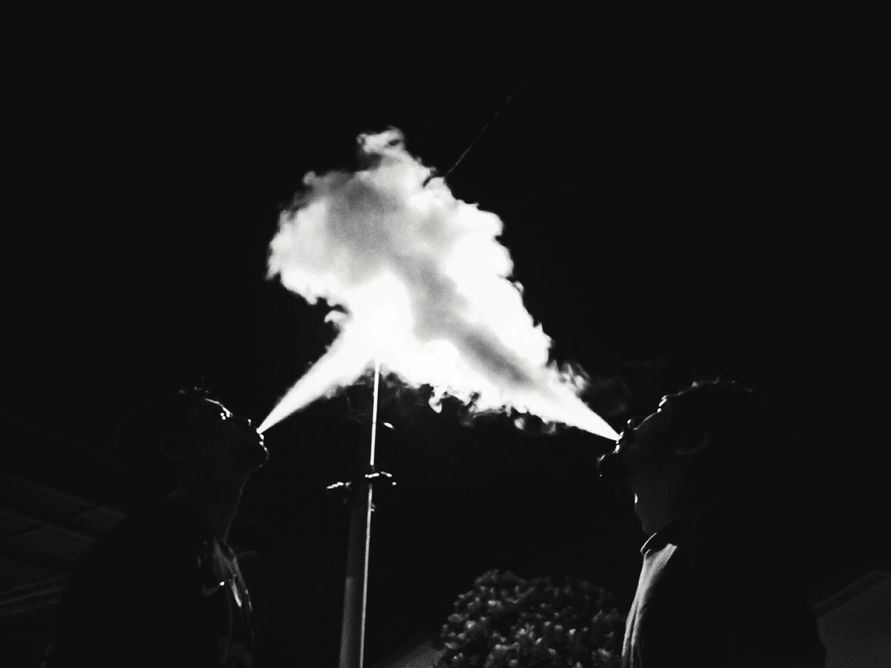 Human Hand Adults Only One Person Sky Human Body Part Outdoors Only Men One Man Only Performance People Adult Close-up Day Vapor Trail Vapesociety Vapestagram Vapecommunity Vapedaily VapeSmoke Vaper Vape On VapeLife Vapemod Blackandwhite Photography Blackandwhite