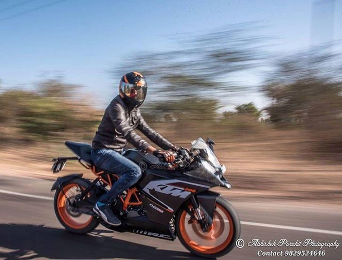 KTM lifestyle... Photographie  Rajasthan Like4like Igersjodhpur Picoftheday Travel Concept Indian India Ktm Ride Trip Panning Panshot Speed Morning Group Photowalk Allstudents Rider KTMLovers Ridelovers