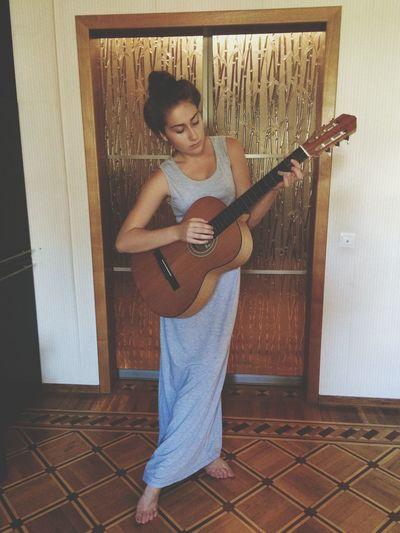 Guitar Beautiful Girl EyeEm Best Shots EyeEm Best Edits Hello World 2015  Me StephanieRichie 🎸🎸17 of September ✨🎸