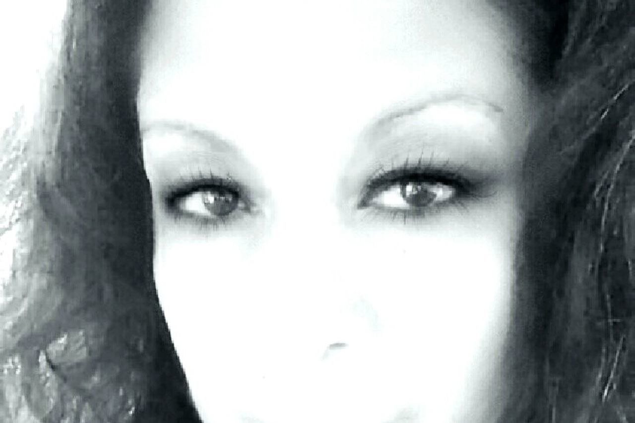 human face, human eye, human body part, portrait, looking at camera, beautiful woman, adult, looking, young adult, adults only, one woman only, beautiful people, only women, beauty, one person, women, one young woman only, young women, people, close-up, human lips, eyelash, eyebrow, human hand, eyeball, day