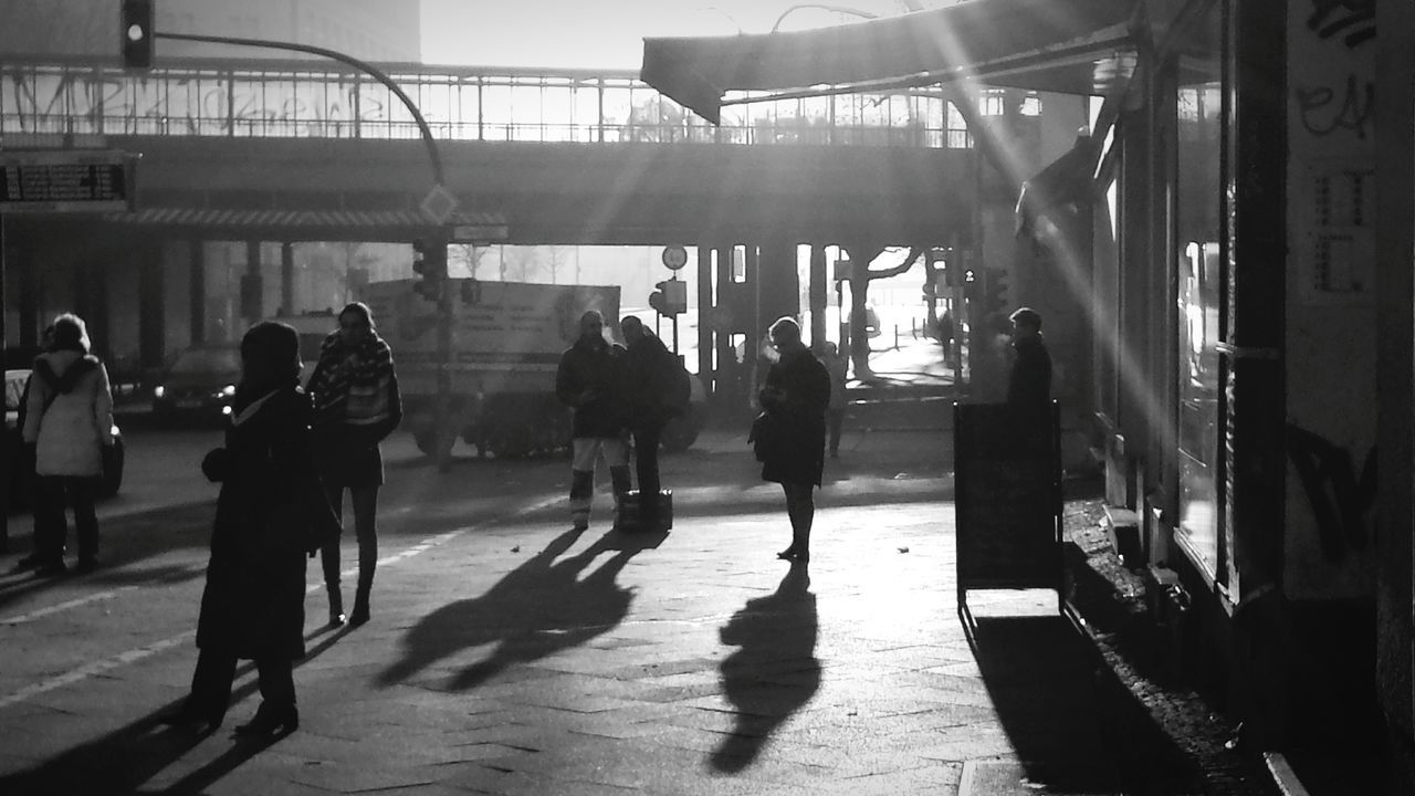 Silhouette People Waiting For The Bus Shadow Black And White Berlin Berliner Ansichten