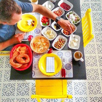 Günaydınnnnn iş çoksa önce güzel bir kahvaltı edilmeli degil mi 😜 Pastalinmutfagi @mutfakgram Gramkahvalti Mutfakgram @insta_foodandplaces @insta_foodandplaces Like4like like likes kahvaltiyadair kahvaltisofralarim yellow @en_iyileri_kesfet en_iyileri_kesfet sunumönemlidir benimkahvaltim enguzelsunumum turkisbreakfast gramsofra dogal kutukservis agac turkisbreakfast like benimkahvaltim simit bimutfak