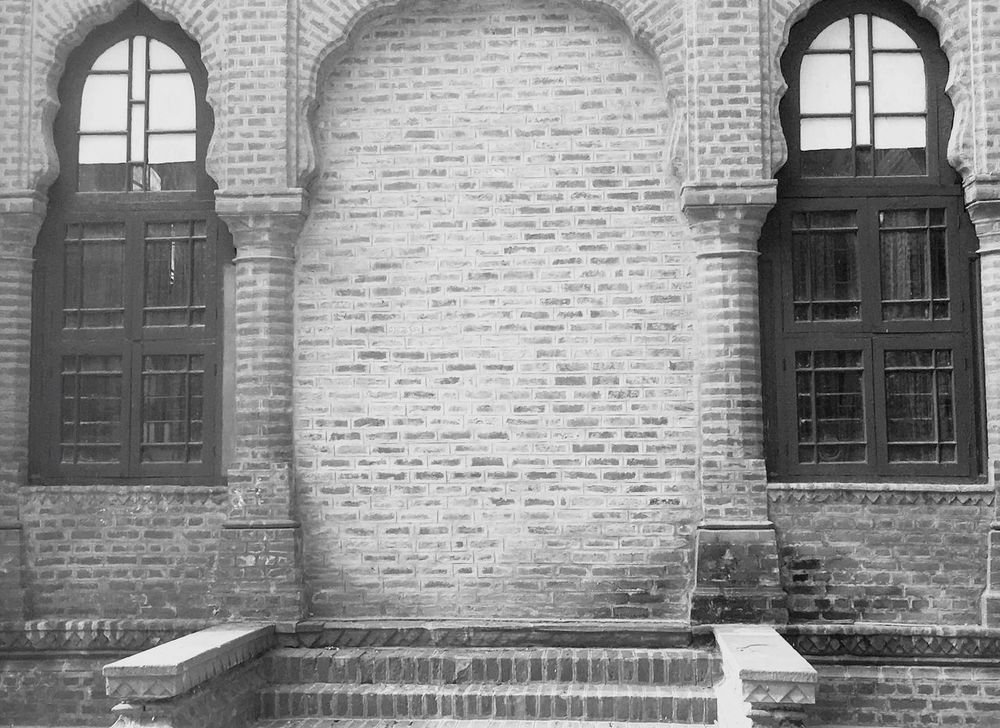 Architecture Not Normal Mysterious Steps Heading Brick Wall Alignment Old Buildings