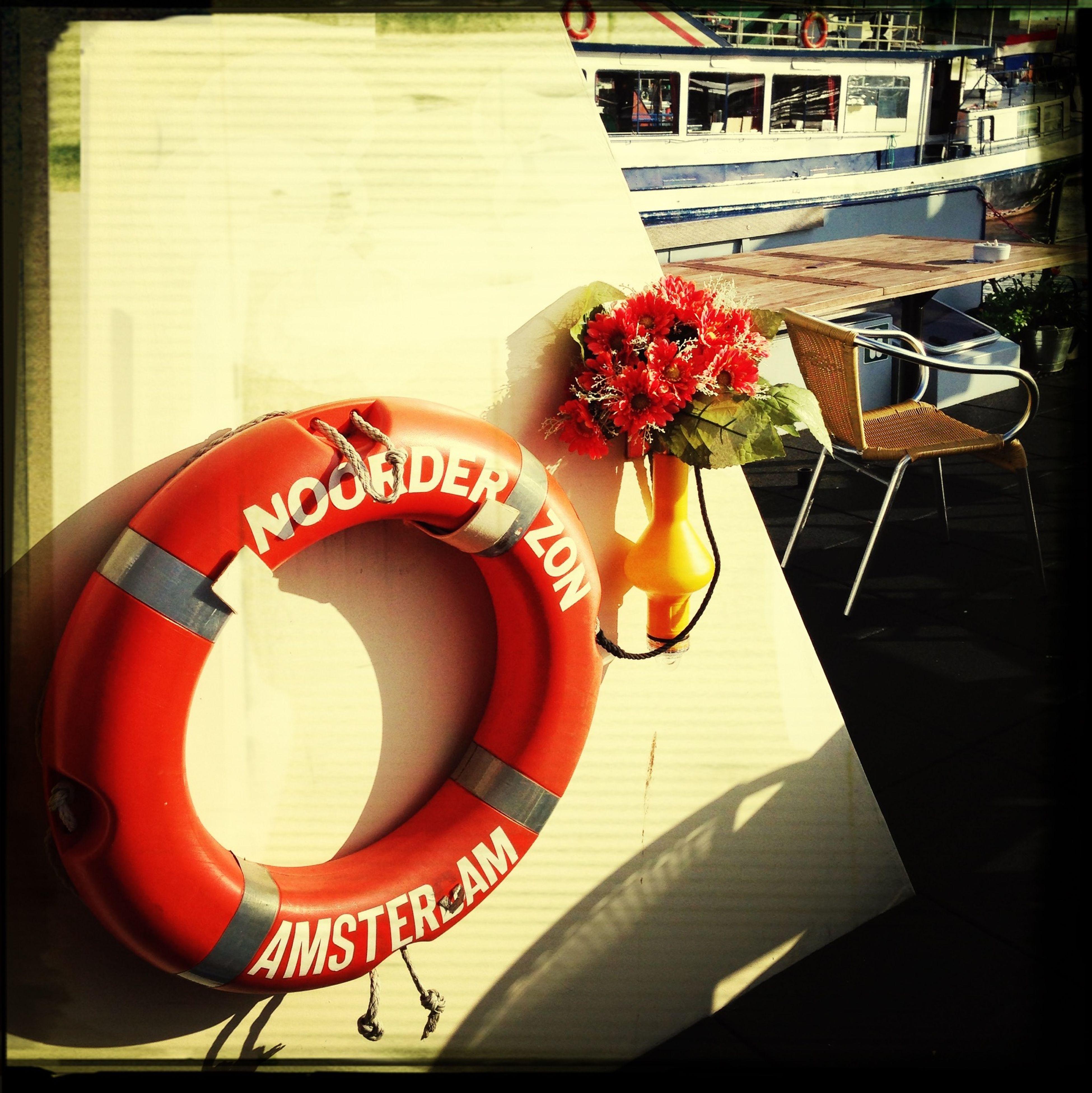Rettungsring Orange Flowers On The Boat Orange By Motorola