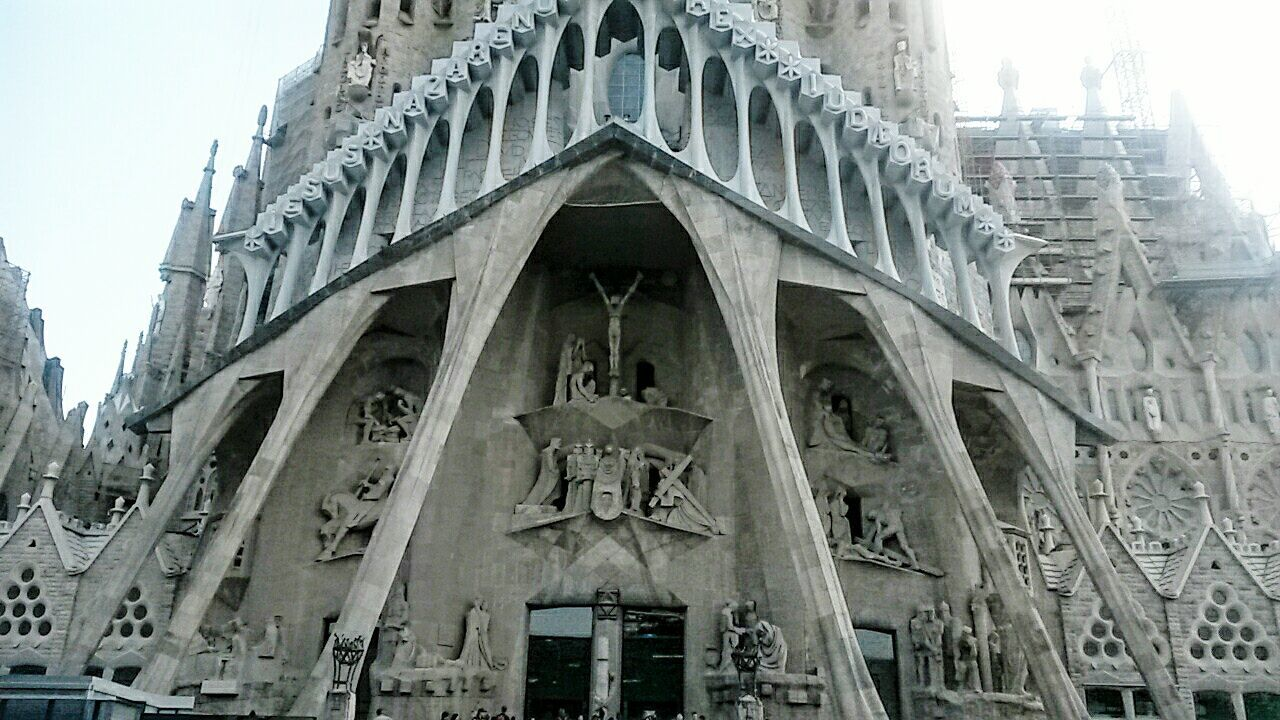 Building Exterior Architecture Low Angle View History Travel Barcelona Sagradafamilia Art Gaudi Church Renovation