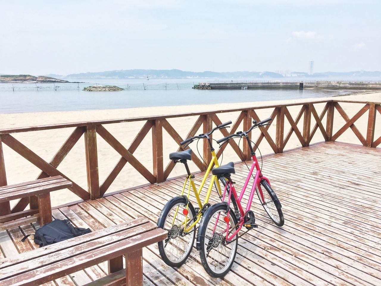 日間賀島 Bicycle Day Sea Transportation Water Outdoors Mode Of Transport No People Bicycle Rack Beach Horizon Over Water Sky Nature