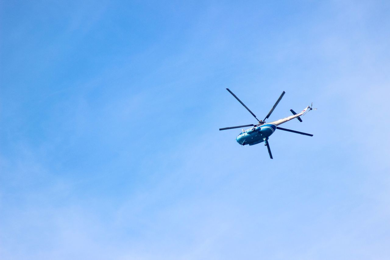 Clear Sky Flying Helicopter Air Vehicle No People Day Blue Transportation Aircraft Outdoors Low Angle View
