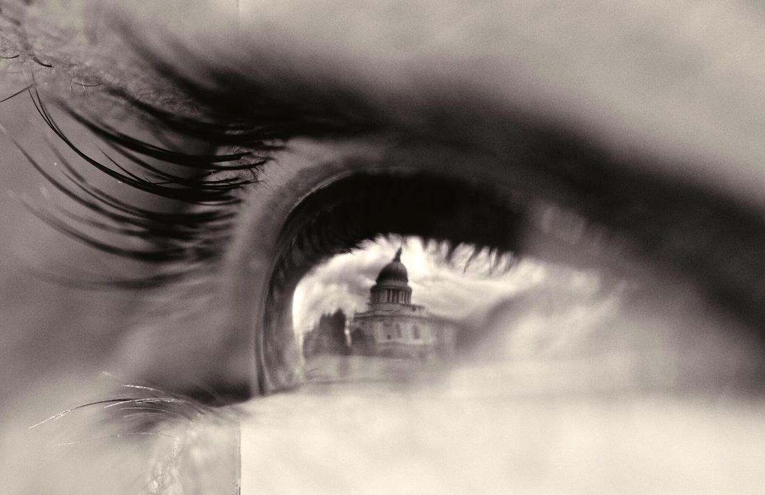 St. Paul's Cathedral in an eye Reflection macrophotography Macro Beauty Eye Lashes Pupil Maximum Closeness Human Eye