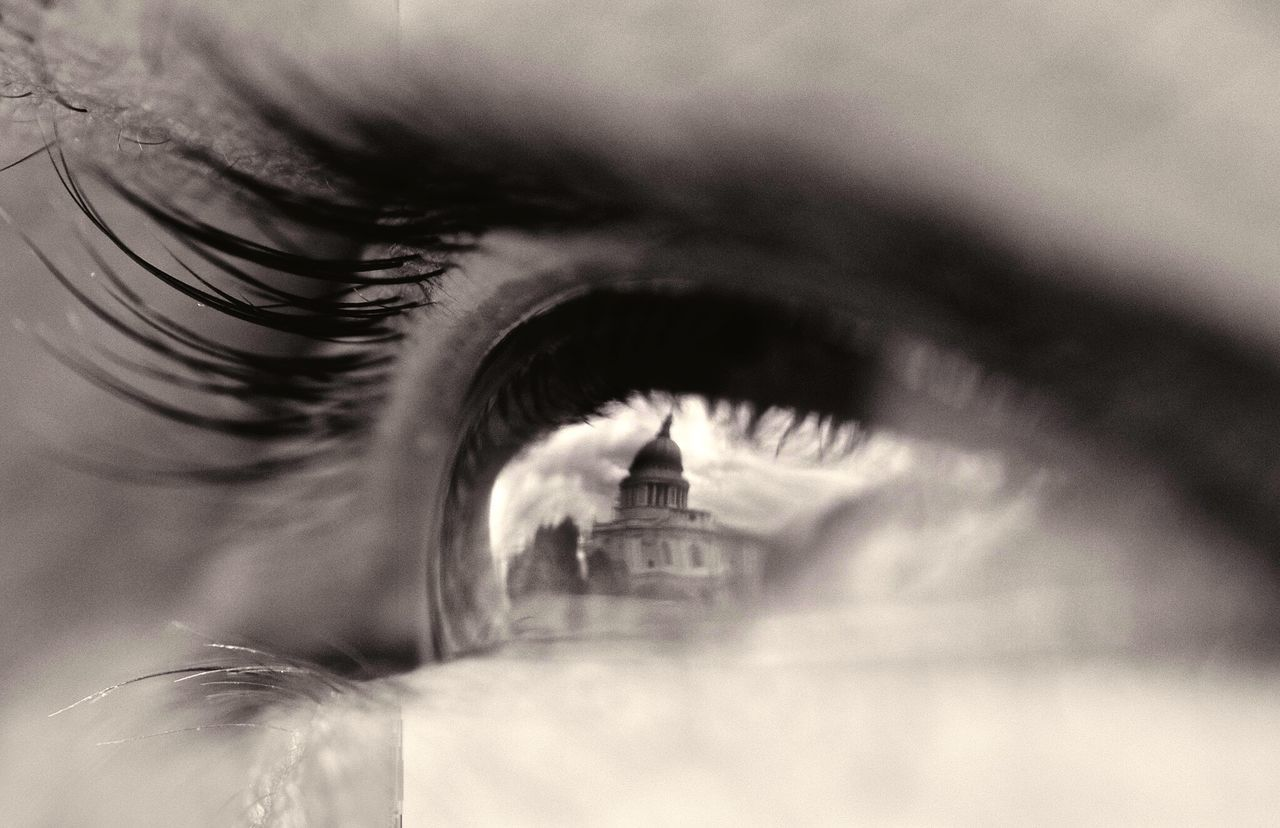St. Paul's Cathedral in an eye Reflection macrophotography Macro Beauty Eye Lashes Pupil Maximum Closeness Human Eye