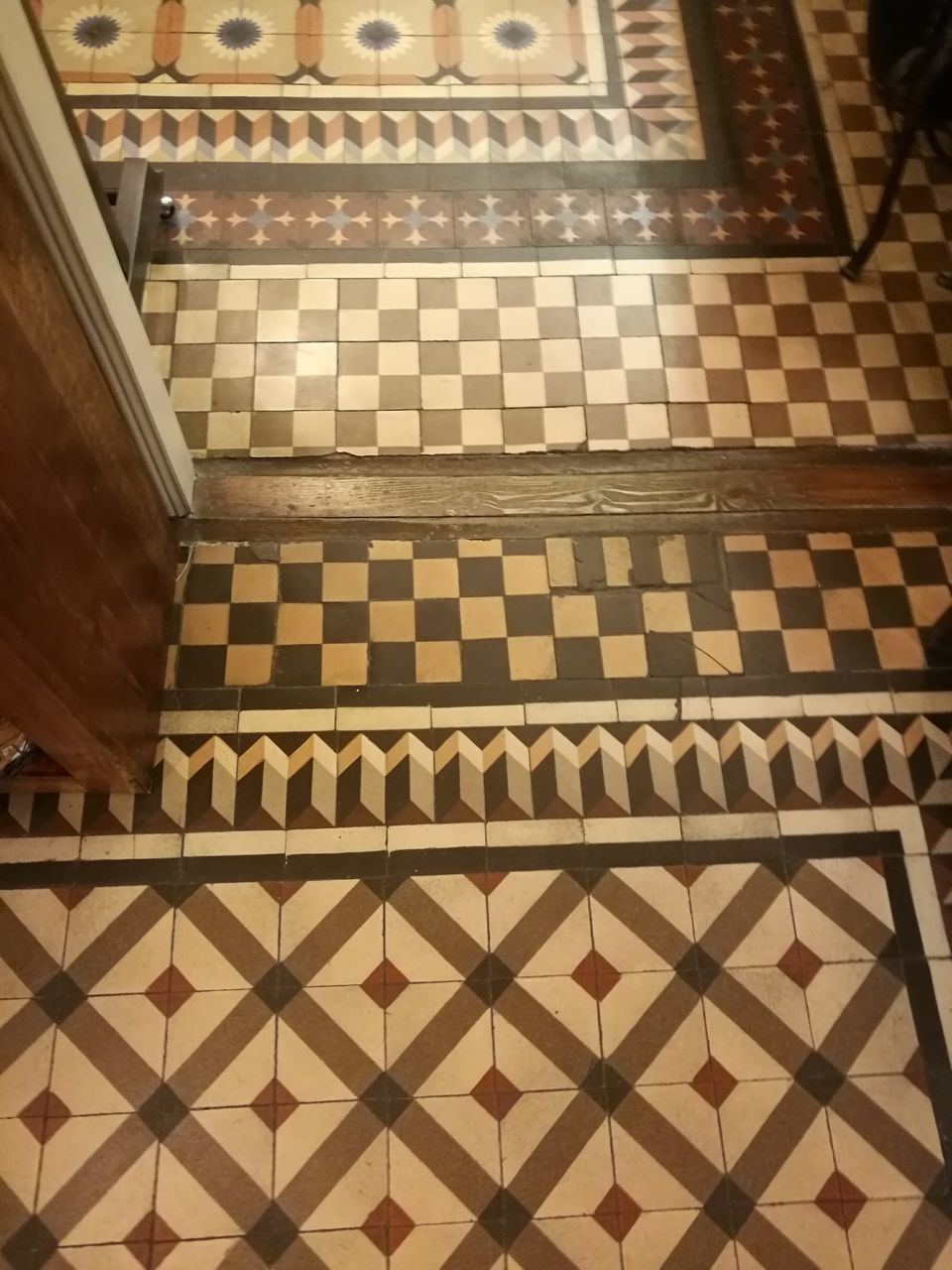 indoors, pattern, high angle view, checked pattern, no people, tile, chess board, chess, day, chess piece, close-up