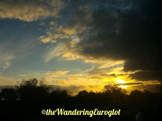 "🎤 ""Il suffira d'une étincelle, / d'un rien, d'un geste"" 🎤 (Johnny Hallyday) Loves_skyandsunset Sunset_vision Sunset_madness_ Sunset_stream Exclusive_sunset Fantastic_shotzs Sunsets_oftheworld Ig_shotz_sunset Sunrise_and_sunsets Sunset_ig Thebest_sunset Best_skyview Worldsunsetchallenge Jj_skylove Igsunset Great_captures_sun Super_photosunsets Sunsetsmax Sunset Coucherdesoleil Tramonto Anochecer Jaimelabretagne Igersbretagne Bretagnetourisme fansdebretagne bretagne breizh tree_magic fiftyshades_of_nature"