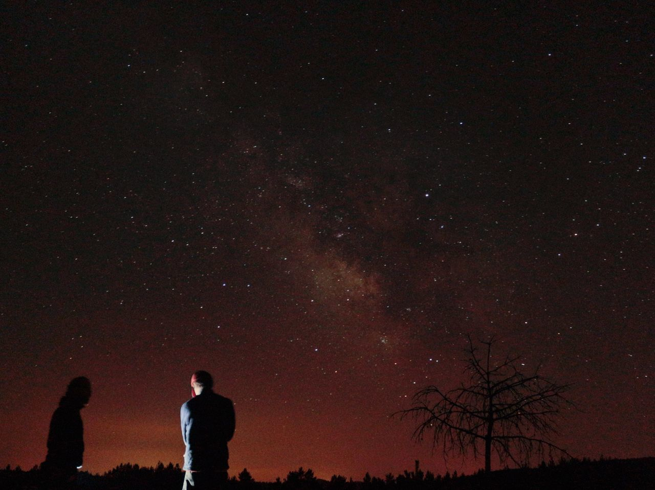 EyeEm Selects EyeEmNewHere Night Star - Space Astronomy Silhouette Real People Sky One Person Outdoors Galaxy Beauty In Nature Scenics Space Tree Nature One Man Only People