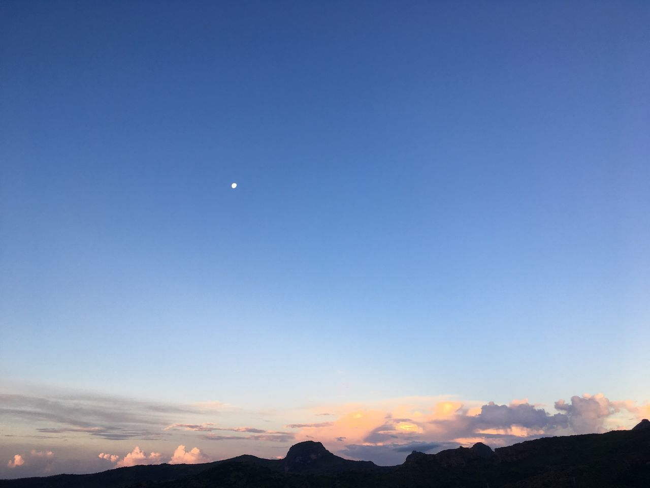 Perfect view for relaxation and contemplation... Moon Scenics Nature Beauty In Nature Crescent Tranquil Scene Sky Copy Space Tranquility No People Outdoors Half Moon Astronomy Mountain Clear Sky Night EyeEmNewHere Naturelover Naturephotography Nature_perfection Nature Photography Naturelovers Nature_collection The Great Outdoors - 2017 EyeEm Awards Mountains