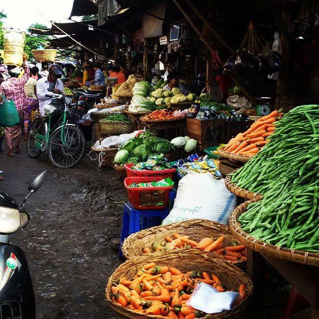 ကိုင္းတန္းေစ်း market Market Myanmar Myanmarfood Burma Mandalay Ingersmandalay Ingersmyanmar Igers Igersmyanmar Igersmandalay Vscocam Vscomyanmar