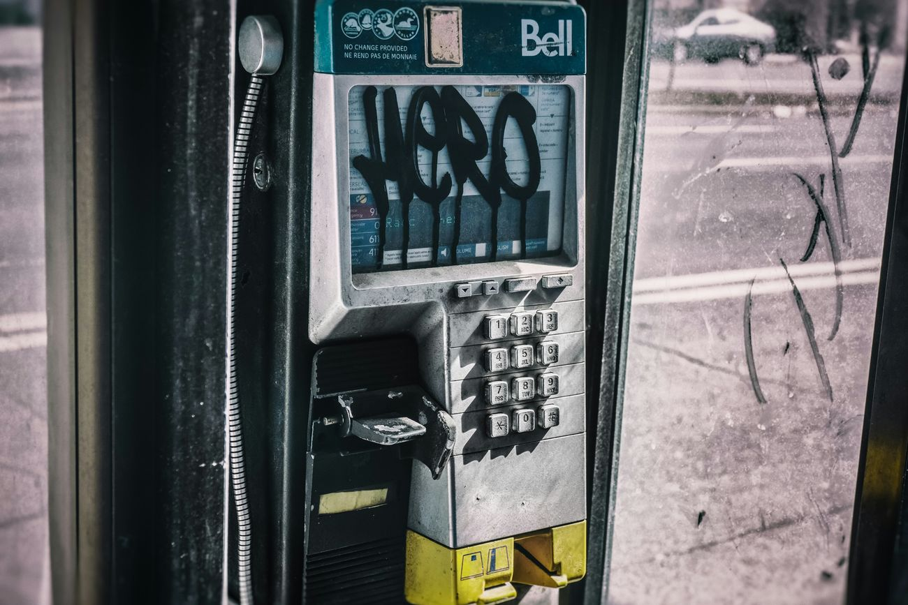 *Hero Hotline* //© 2014 AR30mm Photography Streetphotography Phones Grunge Montréal Quebec Digits Numbers Travel