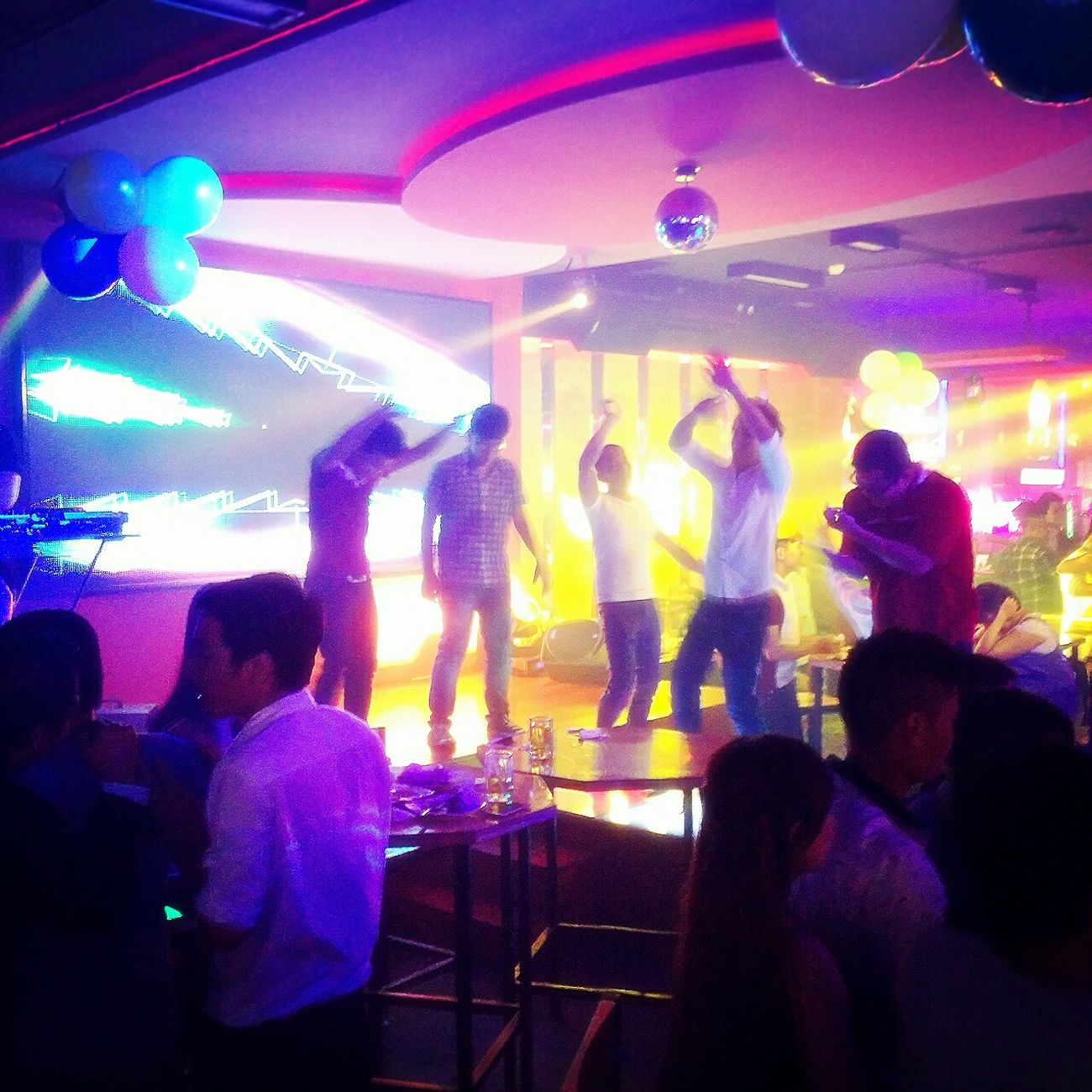 Weekend Guys On The Floor DANCE ♥ Beer Club Enjoying Life Young Wild And Free(; Saigon Night Nightlife
