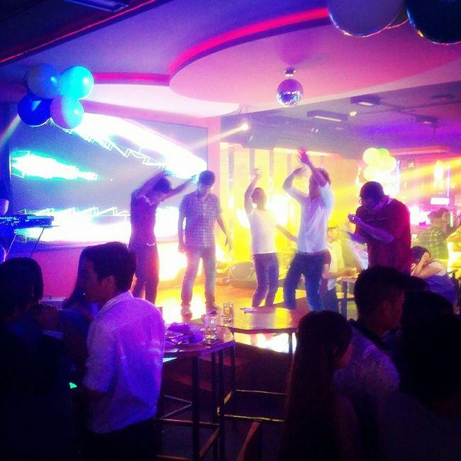 Weekend Guys On The Floor DANCE ♥ Beer Club Enjoying Life Young Wild And Free(; Saigon Night Nightlife