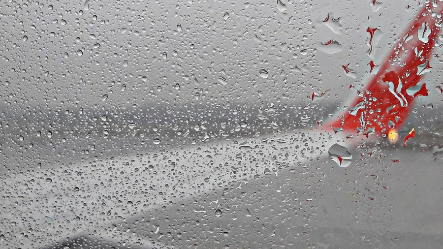 start✈in rain😎 Vienna Airport Today For My Friends😚 Raindropshot I'll Be Back Soon Do'nt Cry For Me Vienna😄🙄 Rainy Foggy Flight Wet Drop Backgrounds Indoors  Water Day No People Close-up