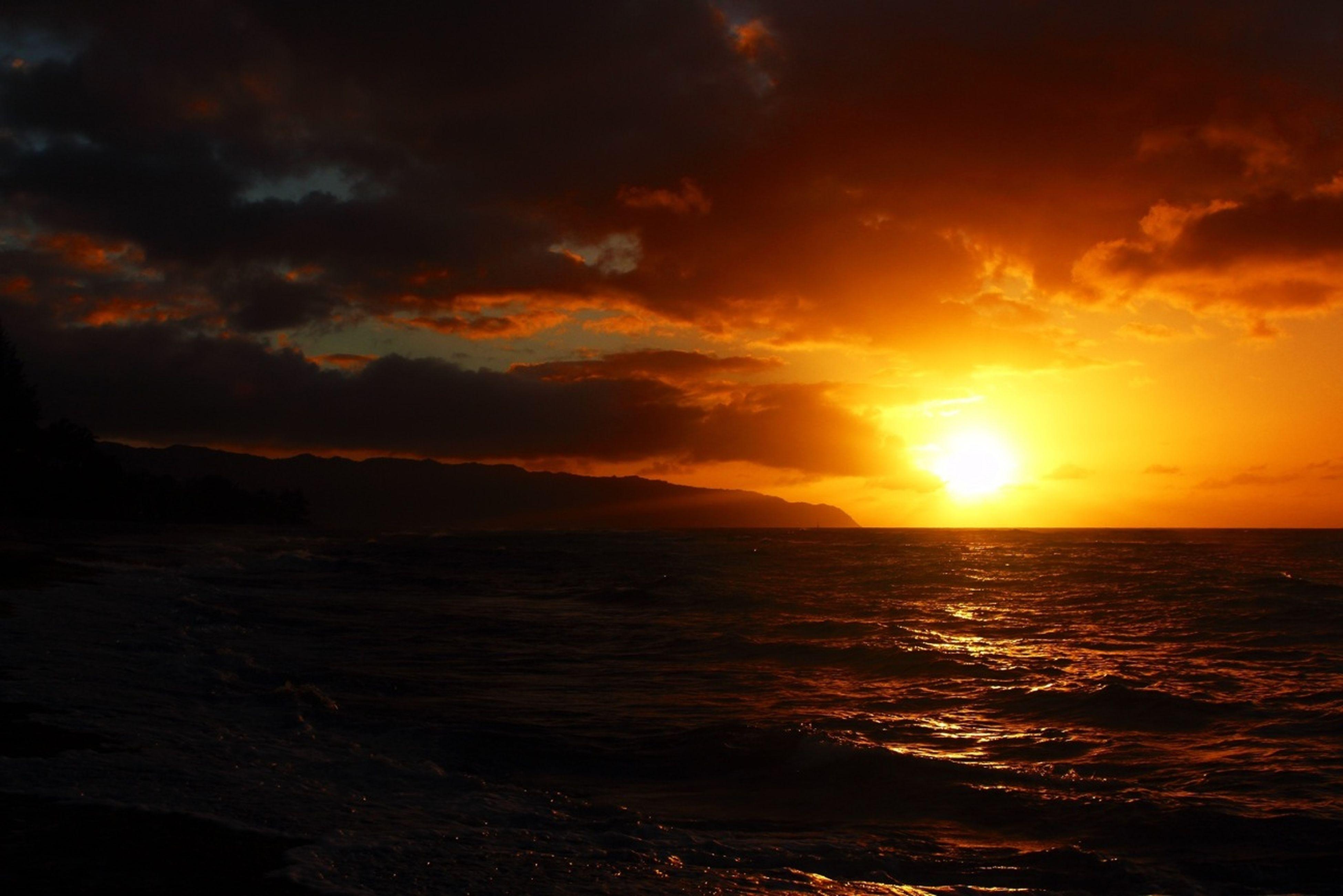 sunset, sea, water, horizon over water, scenics, beauty in nature, tranquil scene, orange color, sky, tranquility, sun, idyllic, cloud - sky, nature, reflection, cloud, beach, seascape, dramatic sky, sunlight