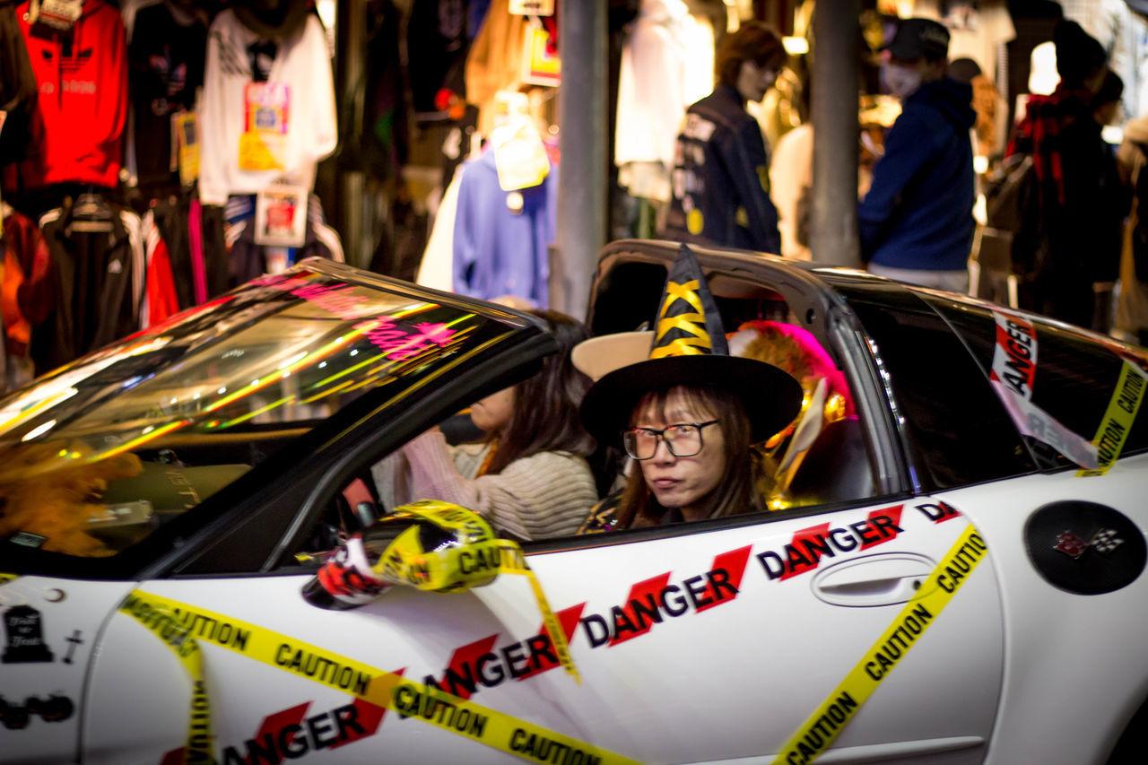 Throwback: They do take Halloween very serious around here. ASIA Car Costume Dracula Elf Halloween Japan Murder Namba Night OSAKA Outdoors People Shinsaibashi Streetphotography Travel Photography Urban Witch
