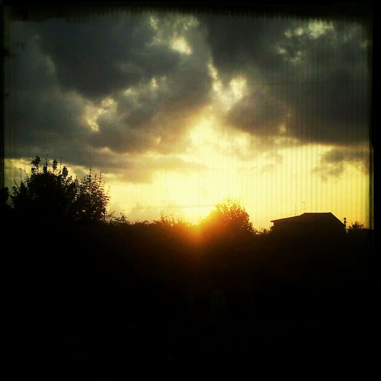 Nubi Al Tramonto Cielo Sole