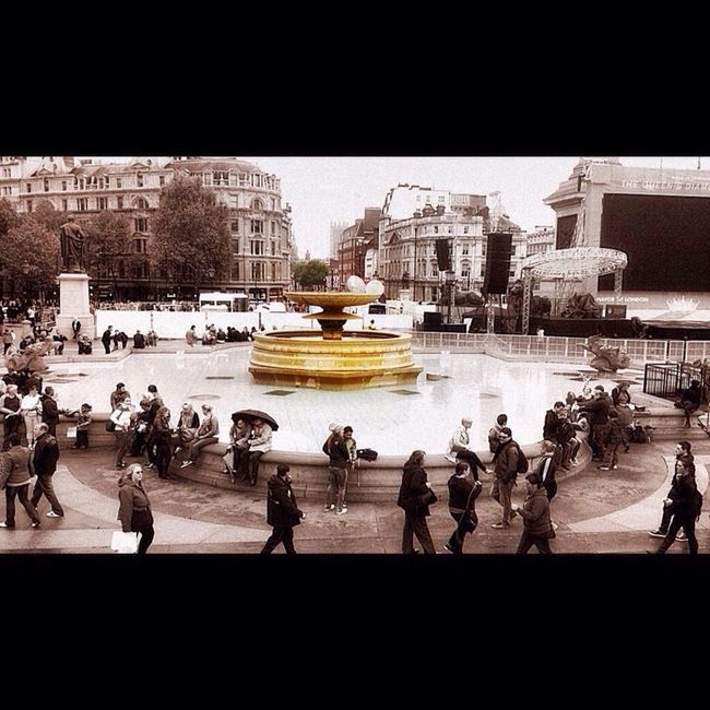 The Fountain Landscape Photography Urban Photography Light And Shadow City Rush