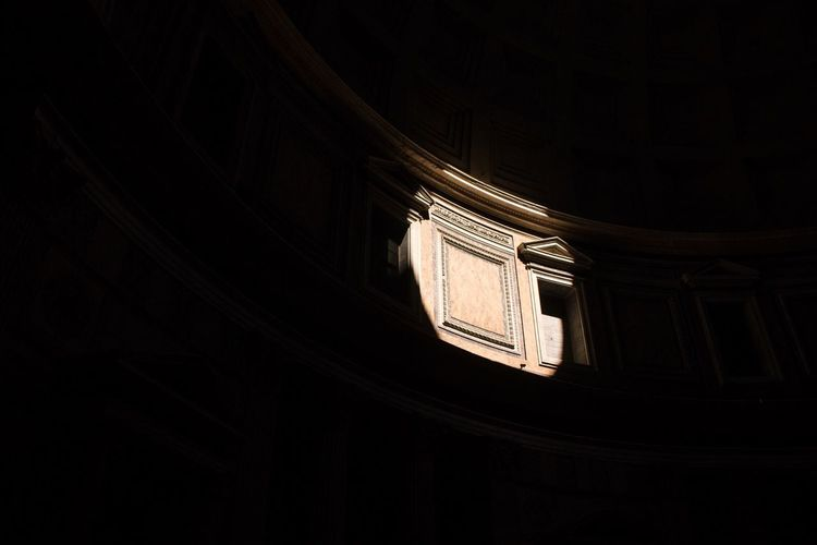 Rome Rom Low Angle View No People Architecture Built Structure Building Exterior Indoors  Day Phanteon