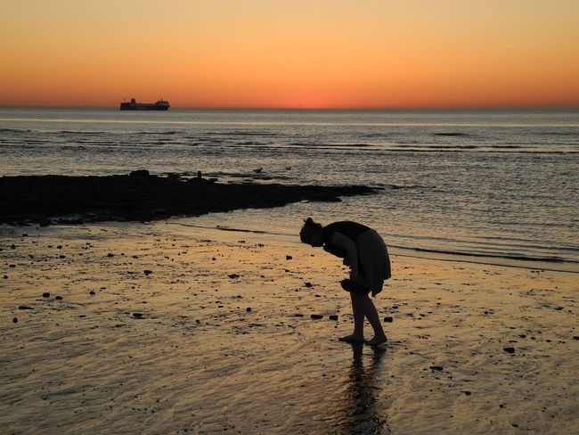 Nofilter Ankle Deep In Water Beach Beauty In Nature Day Full Length Horizon Over Water Leisure Activity Lifestyles Men Nature One Person Outdoors Real People Sand Scenics Sea Silhouette Sky Standing Sunset Tranquil Scene Tranquility Vacations Water Sommergefühle