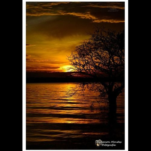 Por do sol no Rio Arapiuns, Santarém, Pará-Brasil. Bz_Sol Bz_natureza Brazilingram Demersonmendes Fotografia Santarém