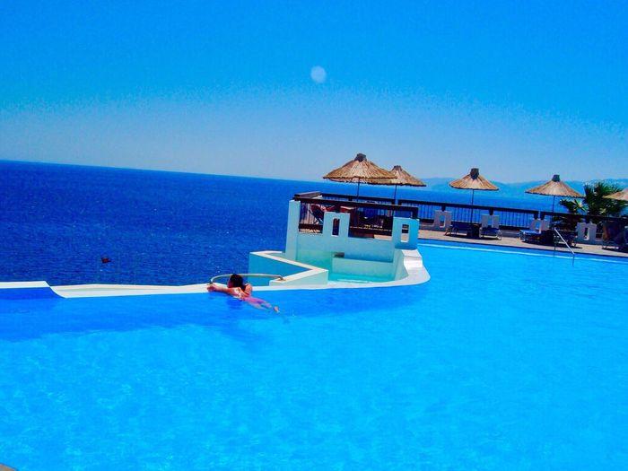 Beautiful Views Blue Sky Blue Water