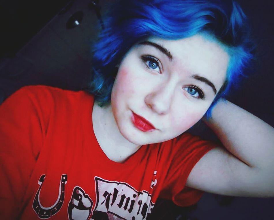 Taking Photos That's Me Blue Hair *o* Alternative Girls