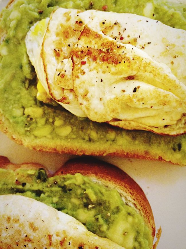 Avocado toast Avocados Toast🍞 Fried Egg Pepper Breakfast Time Good Morning World! Foodies Ilovefood Yum