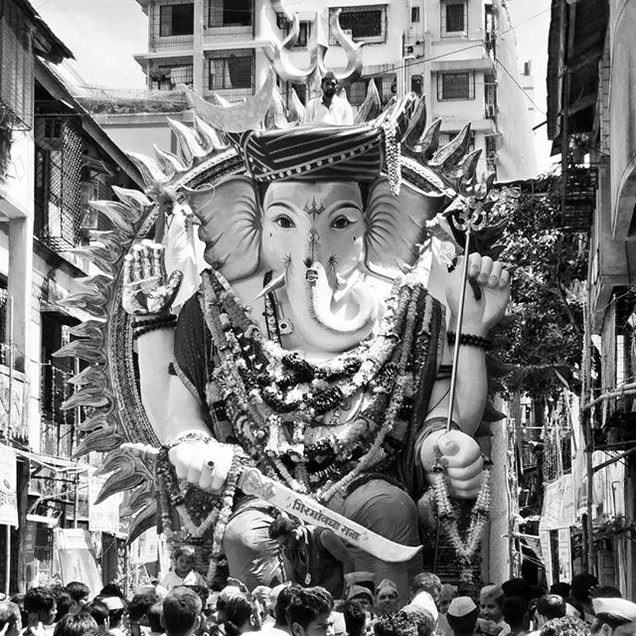 Girgaumcha Raja !!!! GanpatiBappaMorya Pudhchyavarshilavkarya Blackandwhite Bw_lover Monochrome Monochromatic Oneplusphotography Mumbai_igers Everydaymumbai Androidography Mymumbai Thingstodoinmumbai Phonography  Iger Mumbaikars Bw_society _soi Indiapictures Bnw_captures Picoftheday PicturePerfect Idol Hinduism LordGanesha Everytimephotos