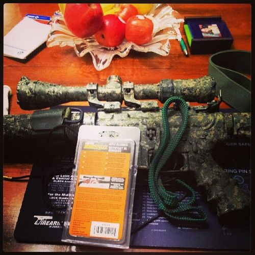 'Bouts to do some Guncleaning .. Borecleaning with a HoppesBoreSnake .. CleanlinessIsNextToGodliness .. Oorah Guns gunporn OlympicArms556mmMFR ZahalVelcroSlingAdapter camo doityourself camouflage pewpewpew molonlabe