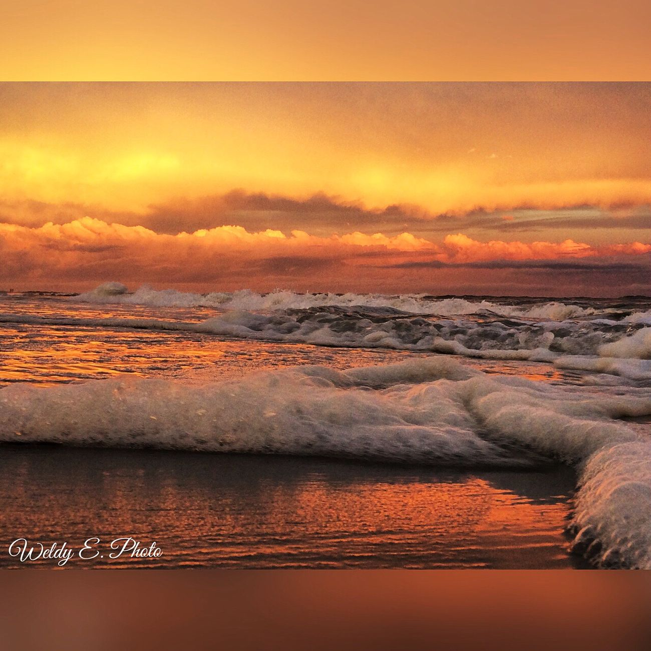 Sunset At Long Beach, NY Sunset_collection Visualmagic EyeEm Best Shots EyeEm Sunset Beautiful Sky Sky Collection Seafoam Popular Photos Beachphotography