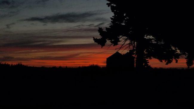 sunset #sun #clouds #skylovers #sky #nature #beautifulinnature #naturalbeauty photography landscape Taking Photos Sunset Enjoying Life