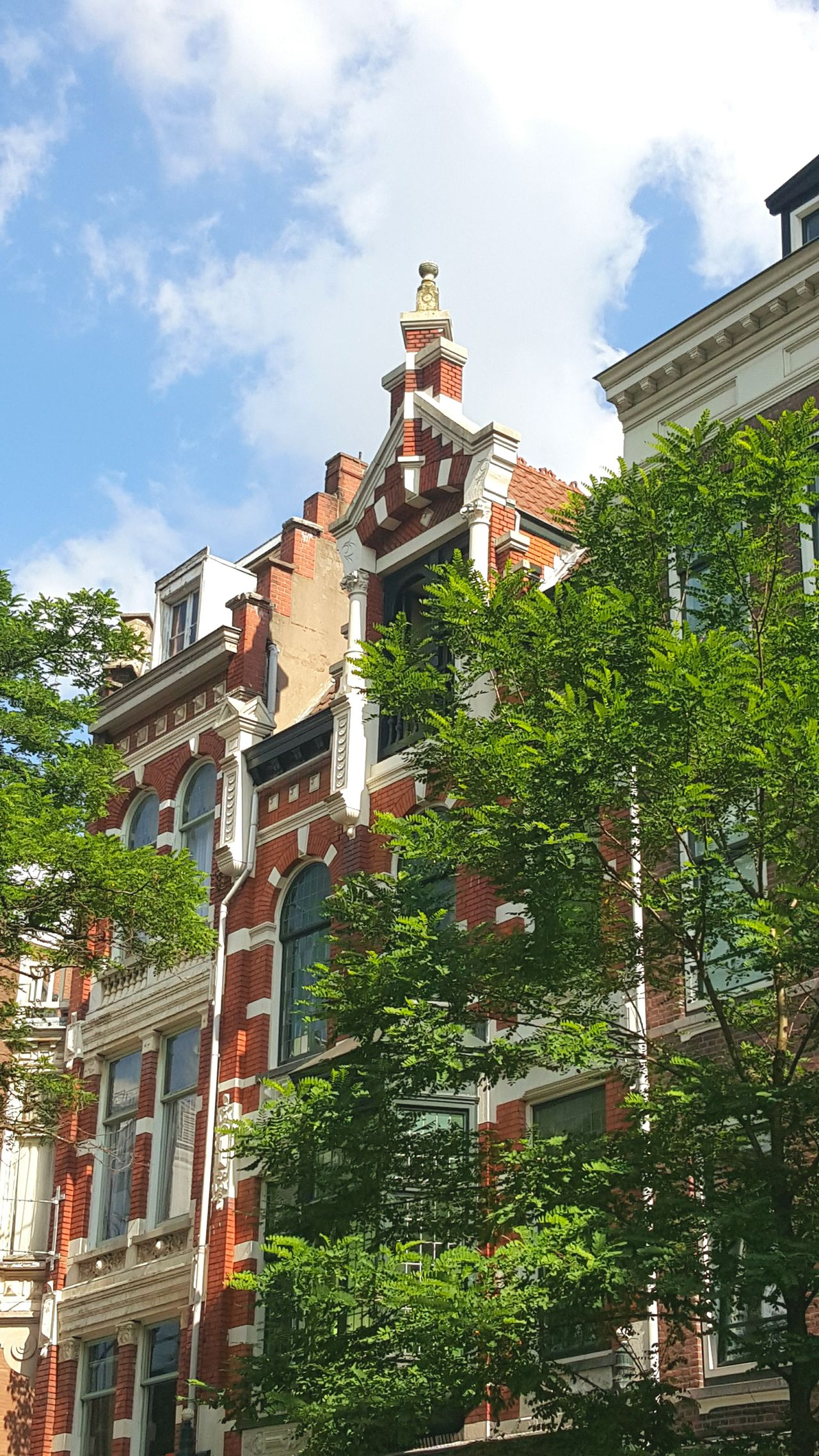 Urbanphotography Sightseeing Urban Taking Photos Sunny Day Architecture Dutch Cities Dutch Architecture Green Trees Dutch House