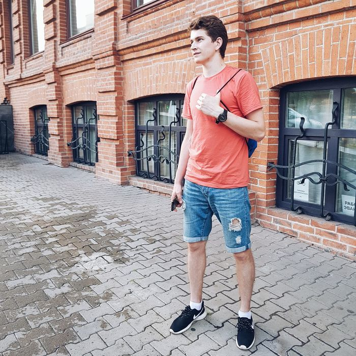 А вот и я 😍😍😍 One Person Only Men Day City Beautiful People People Fashion Adult Cool Attitude Human Body Part Sky Real People Men Sweet Food City Actor Green Color