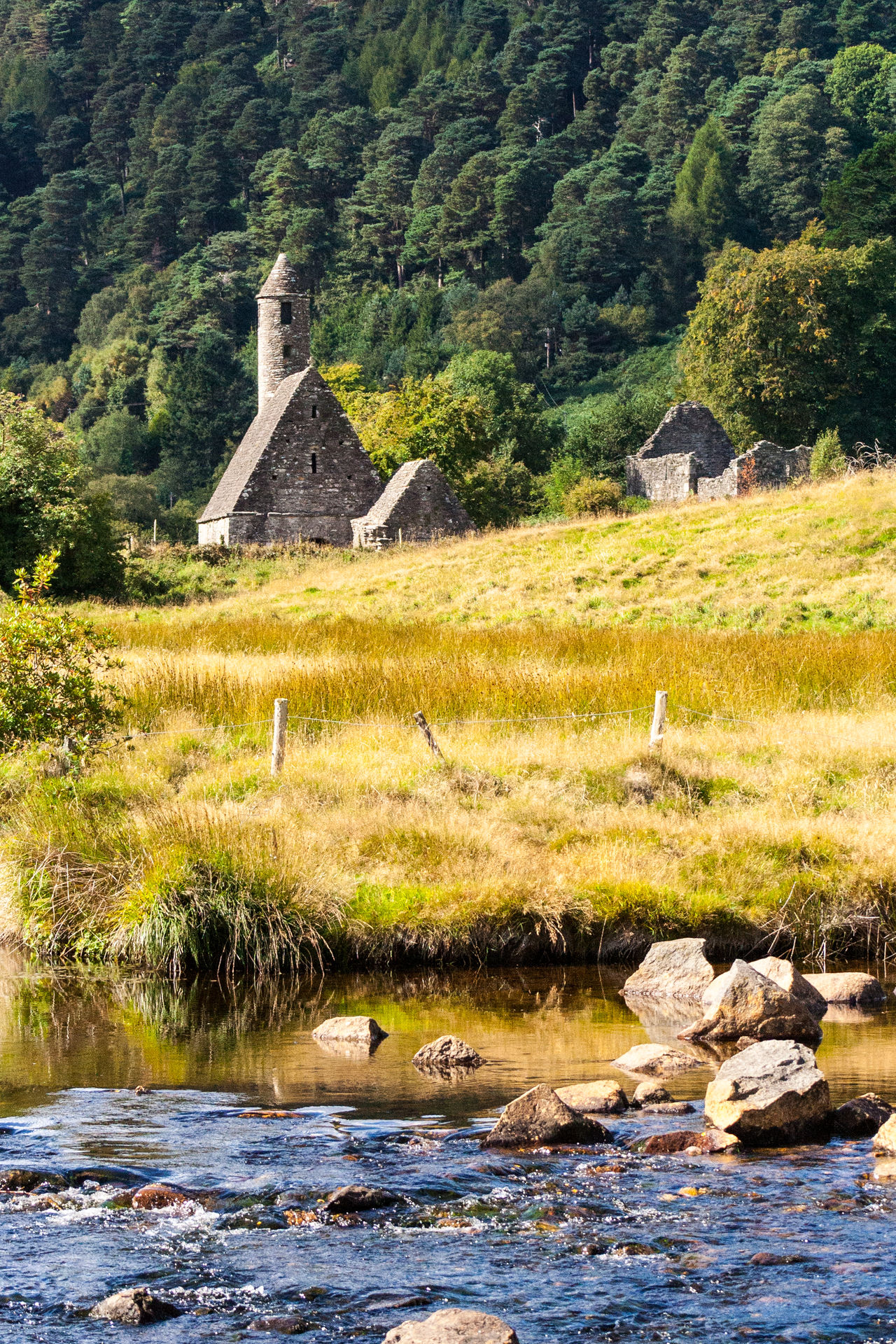 Irland Ireland Eire Countryside Glendalough Forest Old Church Mediaeval Church Celtic Church Brook #small River Ruins