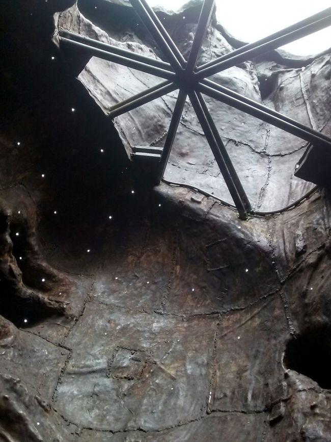 Inside The Art Interior de la escultura del Artista Mexicano, Javier Marin, Cabezas Gigantes Mexican Pride